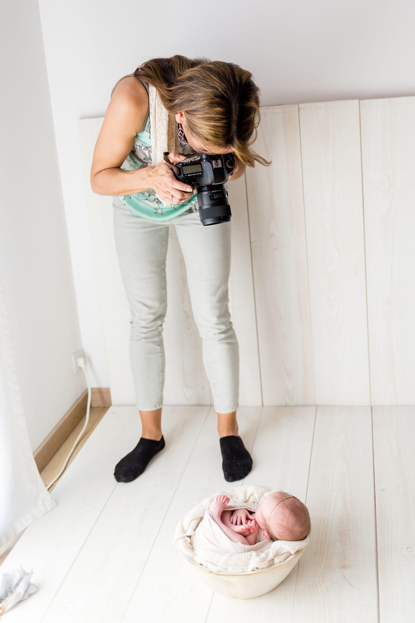 Nathalie Fontana, photographe Grossesse, Nouveau-né, Bébé à Genève et en Suisse