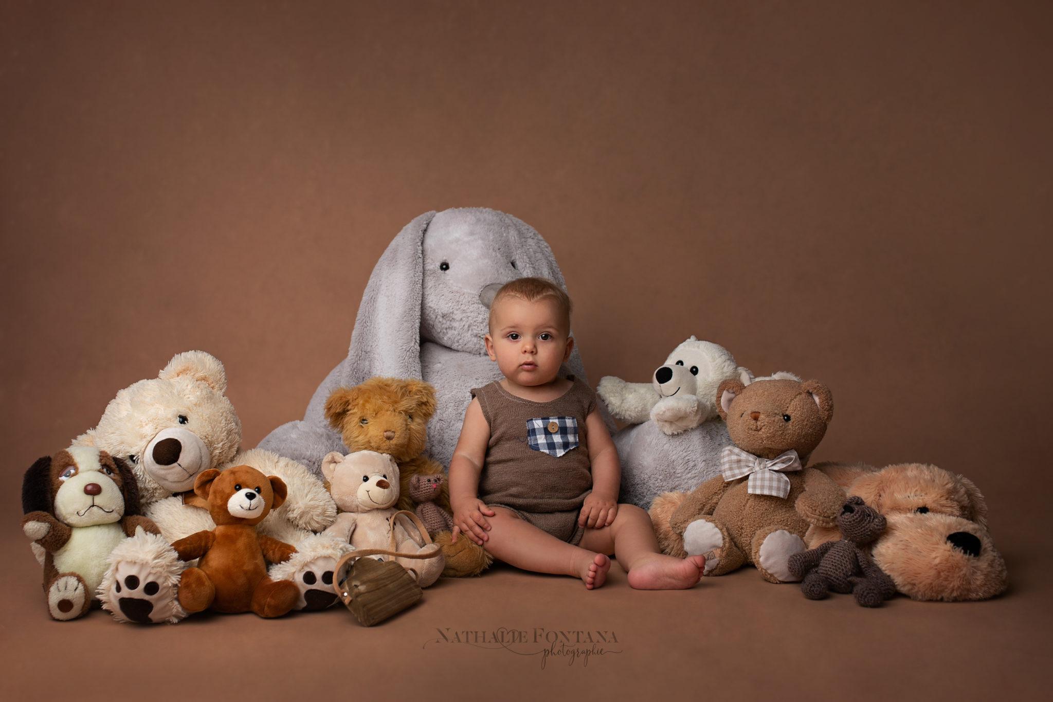 Ayden, mini-séance de printemps Bébé assis — Nathalie Fontana Photographie, Genève