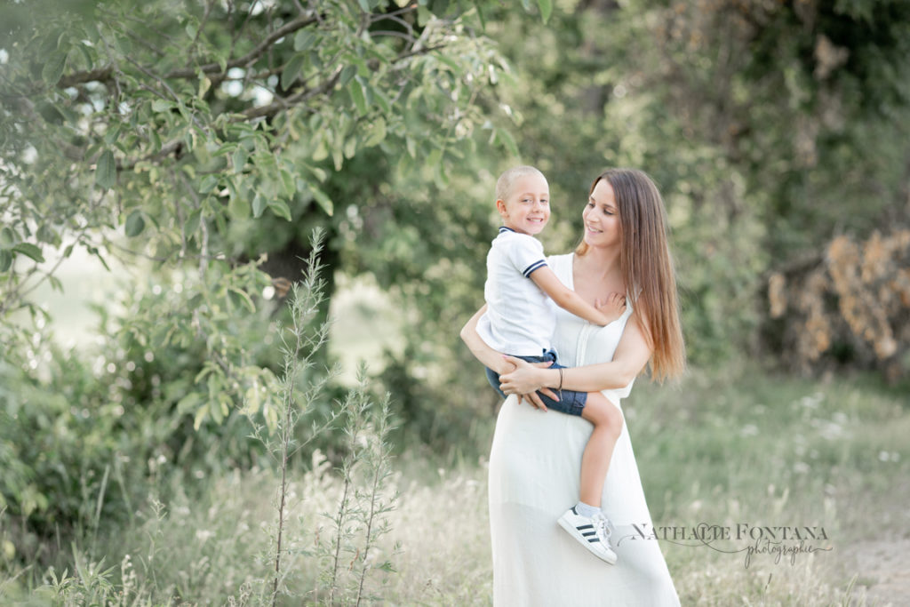 photographe famille genève photo lifestyle enfant bébé campagne genevoise